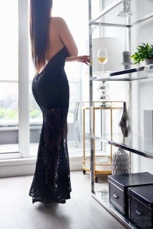 Roselys escort girl, thai massage