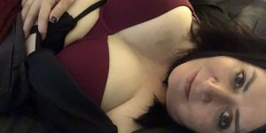 Liya call girls in Mequon WI, tantra massage