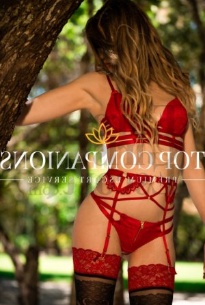 Ludyvine escort girl in Glenwood Springs Colorado and thai massage