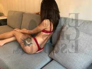 Moniqua escort and happy ending massage